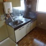 湯沸器が設置されています(キッチン)