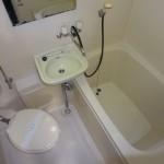 洗面台付の浴室です